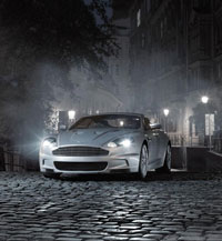 Aston-Martin in fog