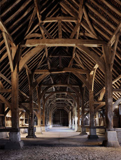 living_harmondsworth_barn_int.jpg